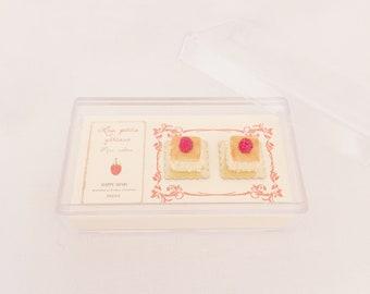 2 miniature individual raspberries cakes - handmade 1:12 dollhouse miniature food - Miniature raspberry cake - Miniature cake