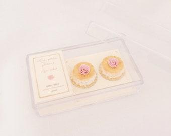 2 miniature individual pink flower cakes - Handmade 1:12 dollhouse miniature food - Miniature shabby rose cakes