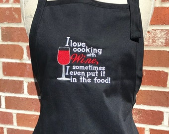 Housewarming Gift Cooking Gift I Cook With Wine Apron Gifts for Mom Wine Sayings Cooking Apron Wine Lover Gift Apron Gifts for Dad