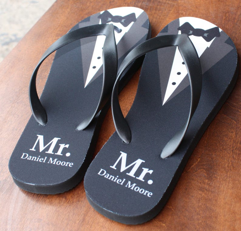 d5b498734d469 Mr. Mr. Flip Flops Personalized Groom Flip Flops print