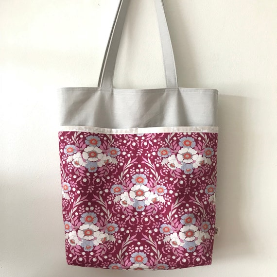 carry all bag for knitting project 14 x 11.5 x 3 *Going on a holiday* Handmade tote bag
