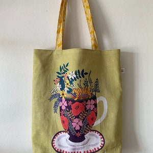 carry all bag for knitting project 13.75 x 10.75 x 3.5 *Golden Retriever* Handmade tote bag with embroidery