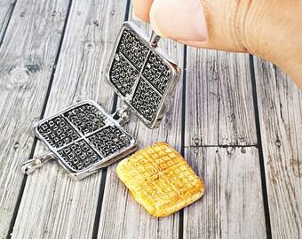 Dollhouse Miniatures Waffle Maker Kitchenware Kitchen Bakery Shop Supply Decor