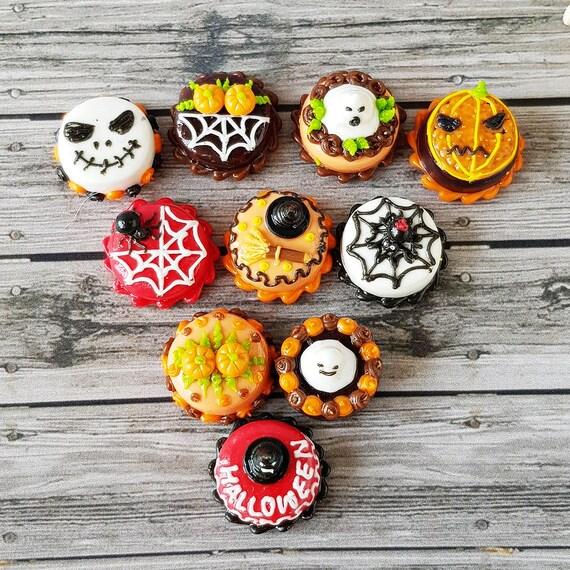 10 Miniatures Halloween Cupcakes with Pumpkin Dollhouse Miniatures Food Bakery