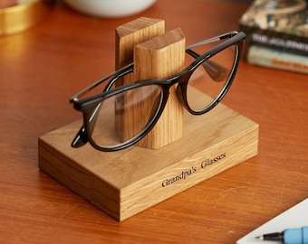 Solid Oak Personalised Glasses Stand / Gifts For Grandparents / Gift for Grandad / Eye Glasses Holder / Retirement gift / Sunglasses Stand