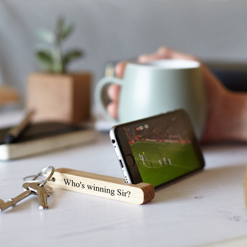 Personalised Oak Keyring Phone Stand / Gifts for Dads / Tech image 0