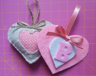 Favors for birth or christening. Colors and letters of your choice. Hand stitched in felt and jute.