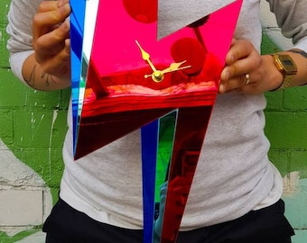Bowie clock, David Bowie decoration, decorative clock, perspex clock, mirror perspex, personalised clock, bowie fans