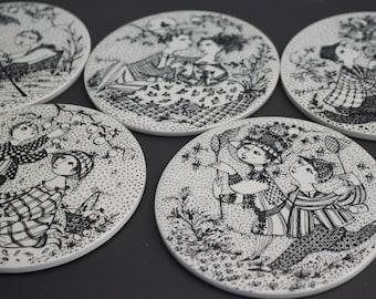 Bjorn Wiinblad discs from 1970's. (Light n' Grey series 175-199 g. / 15 cm.) Nymolle.