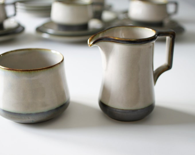 Stoneware sugar bowl and creamer 'Tema' from Bing and Grøndahl