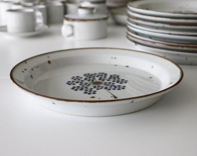 "Stoneware dinner plate ""Brown Mist"" with blue flower (2. quality) by Niels Refsgaard, Dansk Designs"