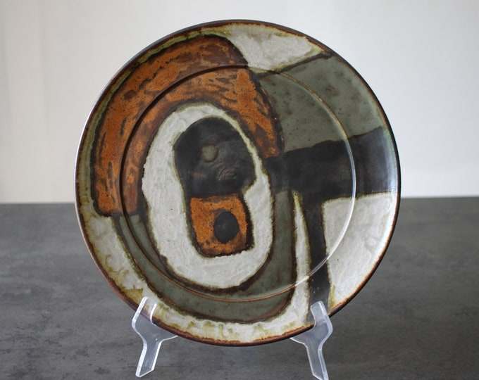 Stoneware dish by Anne and Peter Stougaard, Bornholm