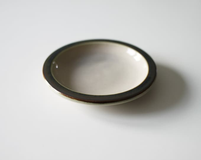 Stoneware small ashtray 'Tema' from Bing and Grøndahl