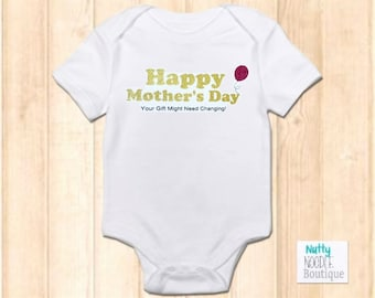 c234b6abe70 New Cute Slogan Baby Grow - Happy Mother s Day - Gold Glitter Effect