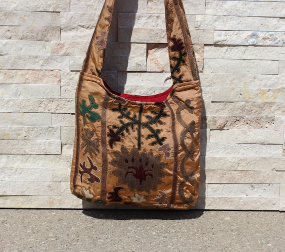 Beige Suzani Embroidered Drawstring Bag