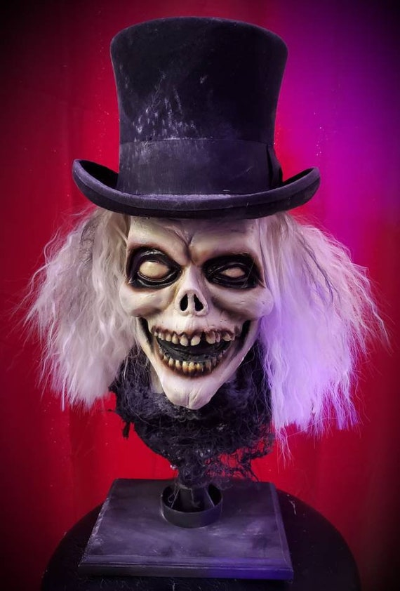 Disneyland haunted mansion inspired Hatbox Ghost magnet