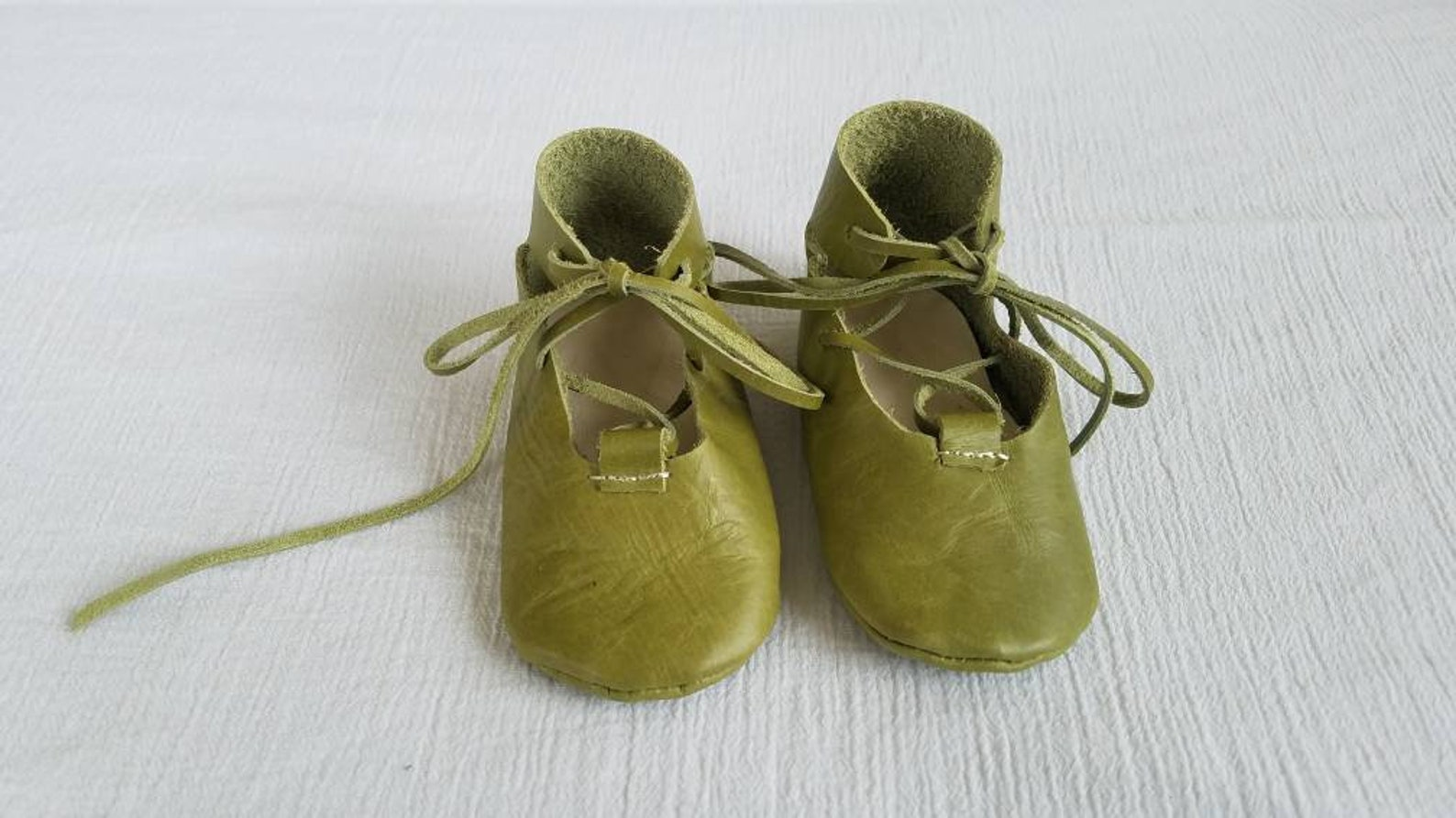 pea green genuine leather ballet flat