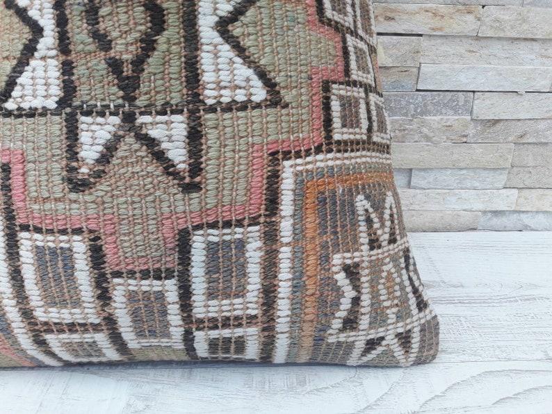 Wintage pillow Kilim pillow cover Decorative pillow Home design Boho pillow Kilim cushion Kilim pillow Home living Turkish pillow