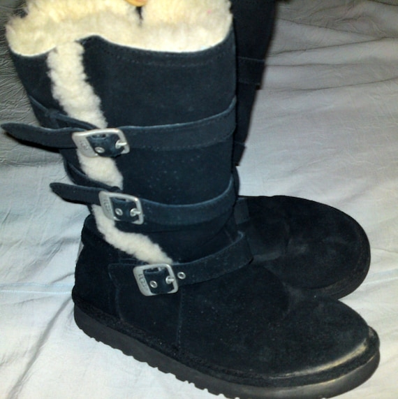 2ece82b6a29 UGG Australia - Kids Tall Snow Boots - 100% sheepskin leather / shearling -  size 34