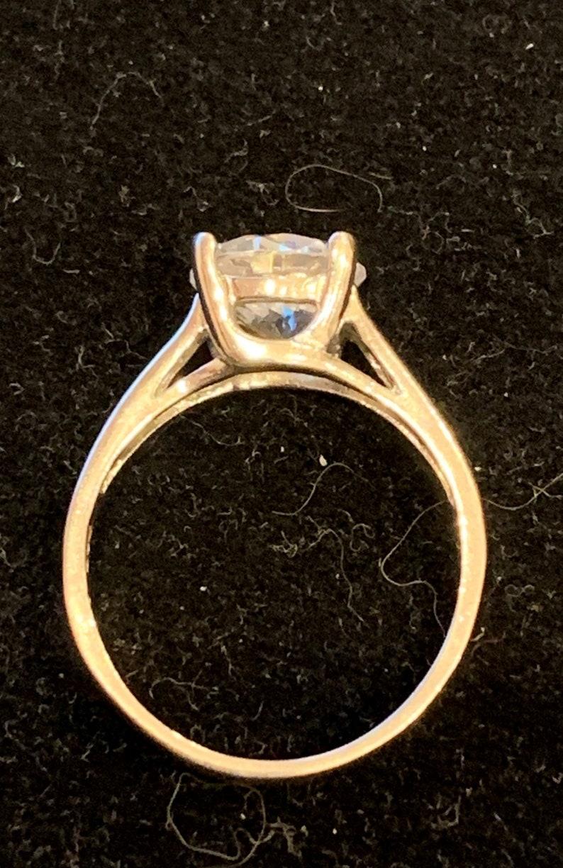 Round Cut Cubic Zirconia Ring