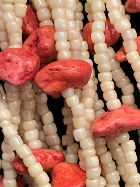 Off White & Coral Beaded Necklace - image 3