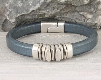 Leather men's bracelet, tough hip and quality!