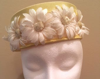 Vintage Daisy Pillbox Hat