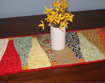 Quilted Table Runner / Kitchen Table Runner / Summer Table Decoration / Table Decoration