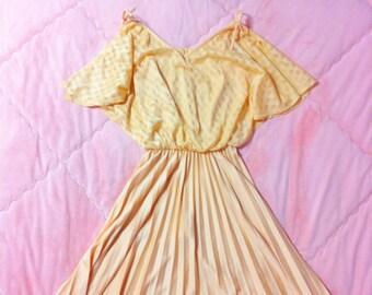70s Vintage Pastel Peach Dress, 70s Orange Peach Pastel Dress, 70s Pastel Dress, Vintage Pastel Dress, Vintage Peach Dress