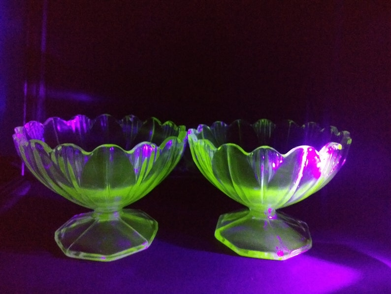 Pottery, Porcelain & Glass Art Deco Green Sowerby Chevron Design Fruit Bowl And Sundae Dishes Buy One Get One Free