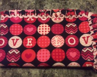 Love XOXO Valentine's No-Sew Fleece Throw Blanket