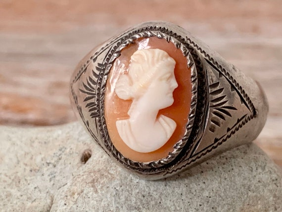 Vintage Art Deco cameo ring, Art Deco cameo ring,