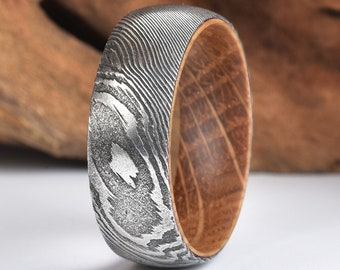 Whisky Barell Wood Mens Wedding Ring Twist Damascus Steel Wood Ring Lined with Whisky Barrel White Oak Mens Wedding Band