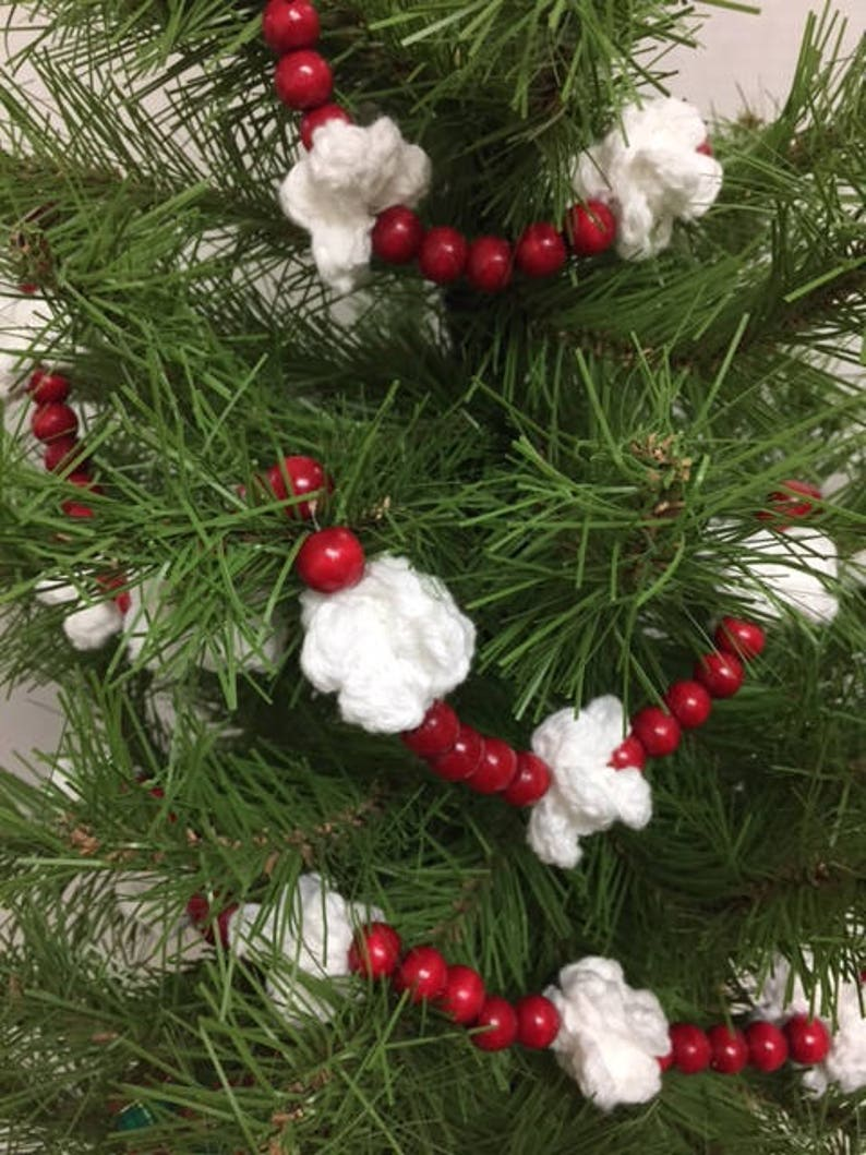 Red Christmas Tree Garland Christmas Crochet Popcorn Garland Home Deco Wreath Christmas Swag Rustic Tree Garland Christmas Ornament