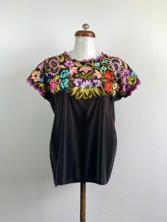 Vintage huipil, Mexican embroidered blouse, Mexica