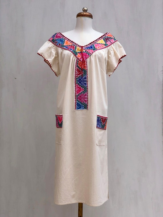 Mexican dress, hand embroidered mexican dress, Me… - image 1