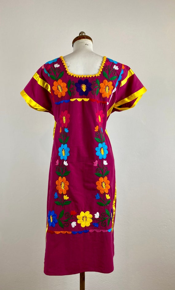 Mexican embroidered dress, hand embroidered Mexic… - image 3