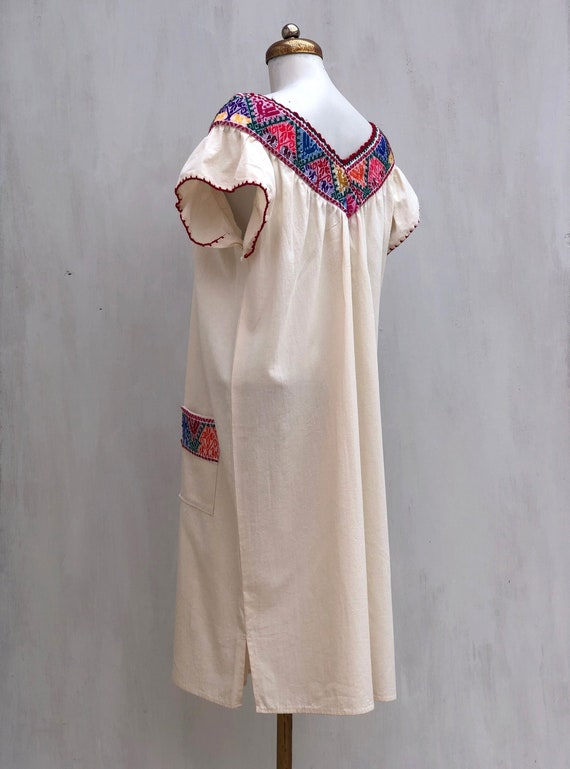 Mexican dress, hand embroidered mexican dress, Me… - image 3