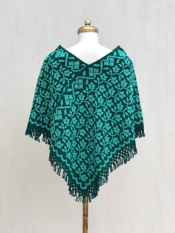 Hand Woven Mexican Poncho  with embroidered flowe… - image 7