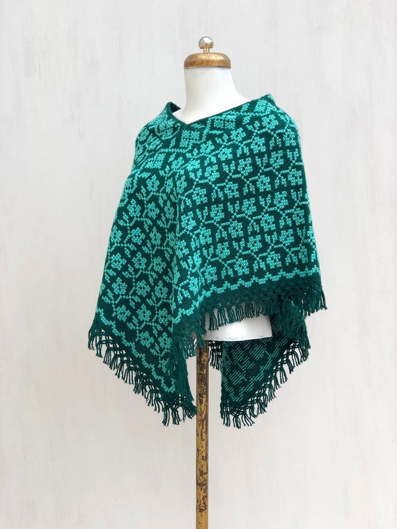 Hand Woven Mexican Poncho  with embroidered flowe… - image 5