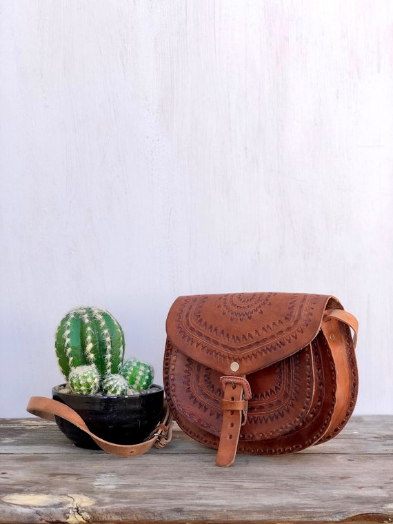 Sac bandoulière en cuir mexicain, mexicaine en cuir, sac mexicain, sac à main mexicain, Chiapas, sac bandoulière en cuir repoussé, sac bandoulière en cuir