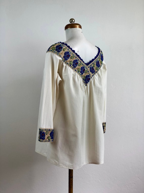 Hand embroidered mexican blouse, mexican blouse w… - image 3