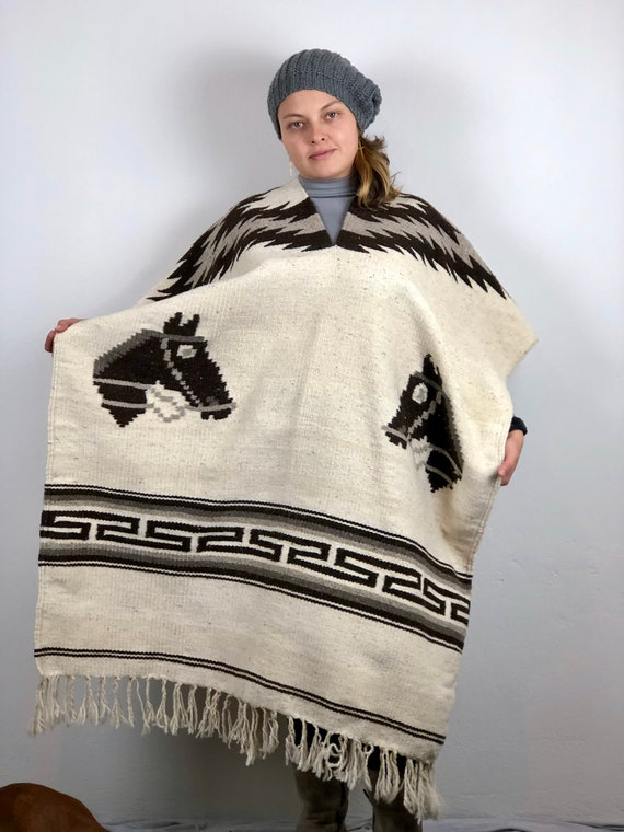 hand Woven poncho, Mexican poncho, woven wool rebo