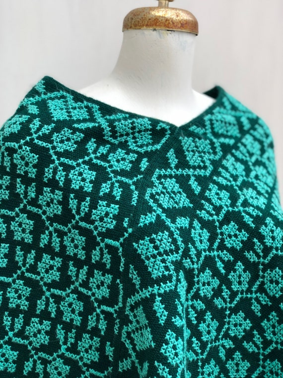 Hand Woven Mexican Poncho  with embroidered flowe… - image 6