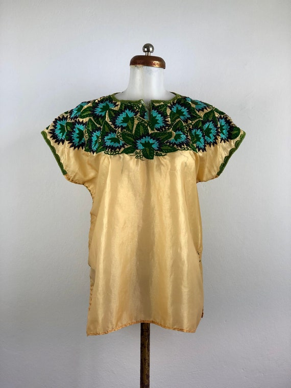 Vintage Mexican huipil with hand embroidered flowe