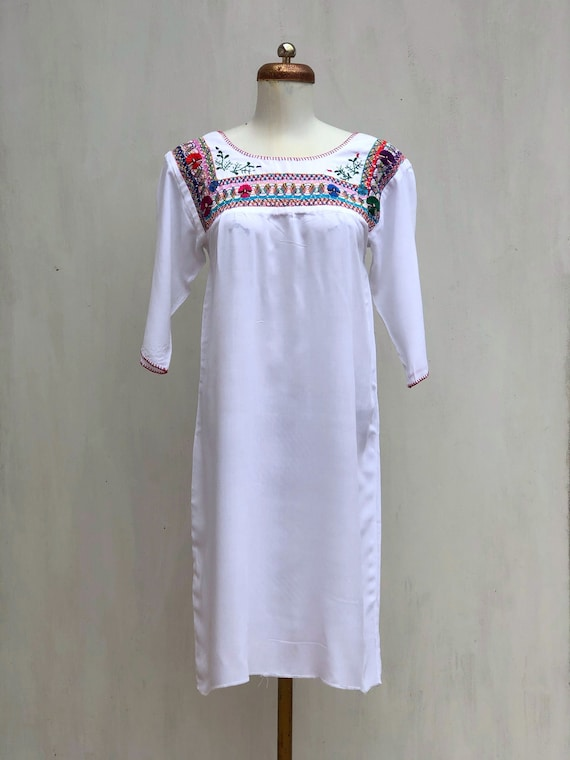 Mexican Embroidered Dress, mexican embroidered pul