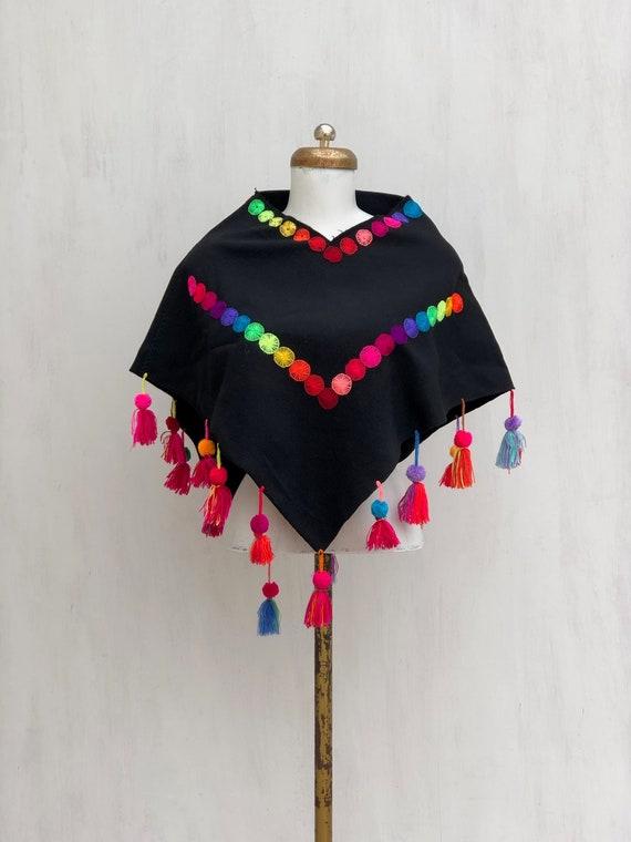 hand Woven Mexican black Poncho, woven Poncho, Pon
