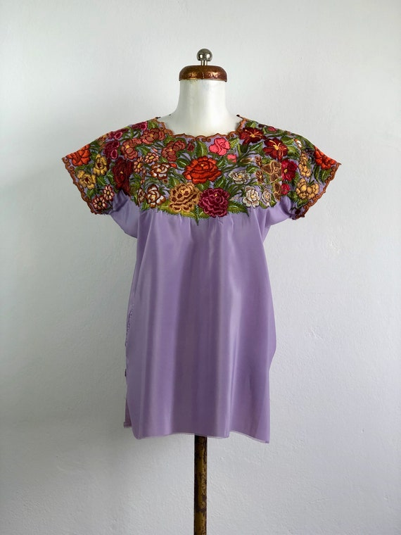 Vintage Mexican huipil with embroidered flowers, m