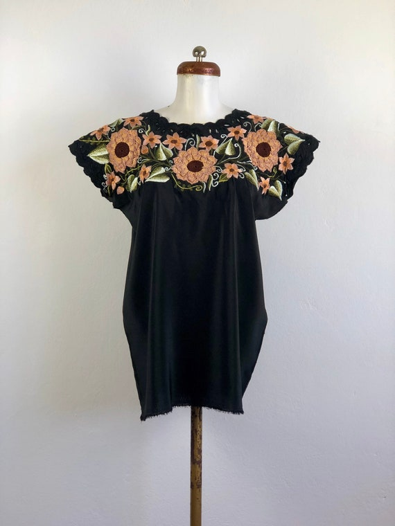 Mexican huipil, Vintage Mexican huipil with embroi