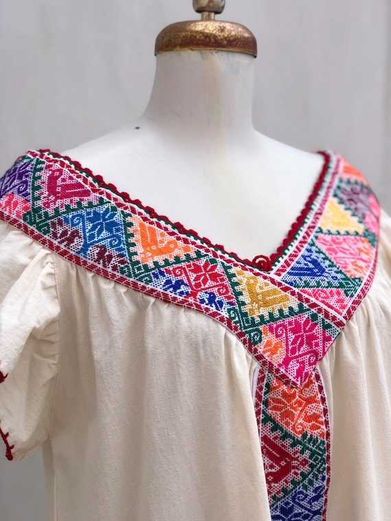 Mexican dress, hand embroidered mexican dress, Me… - image 2